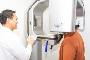 Dr Chiu CBCT scanning patient